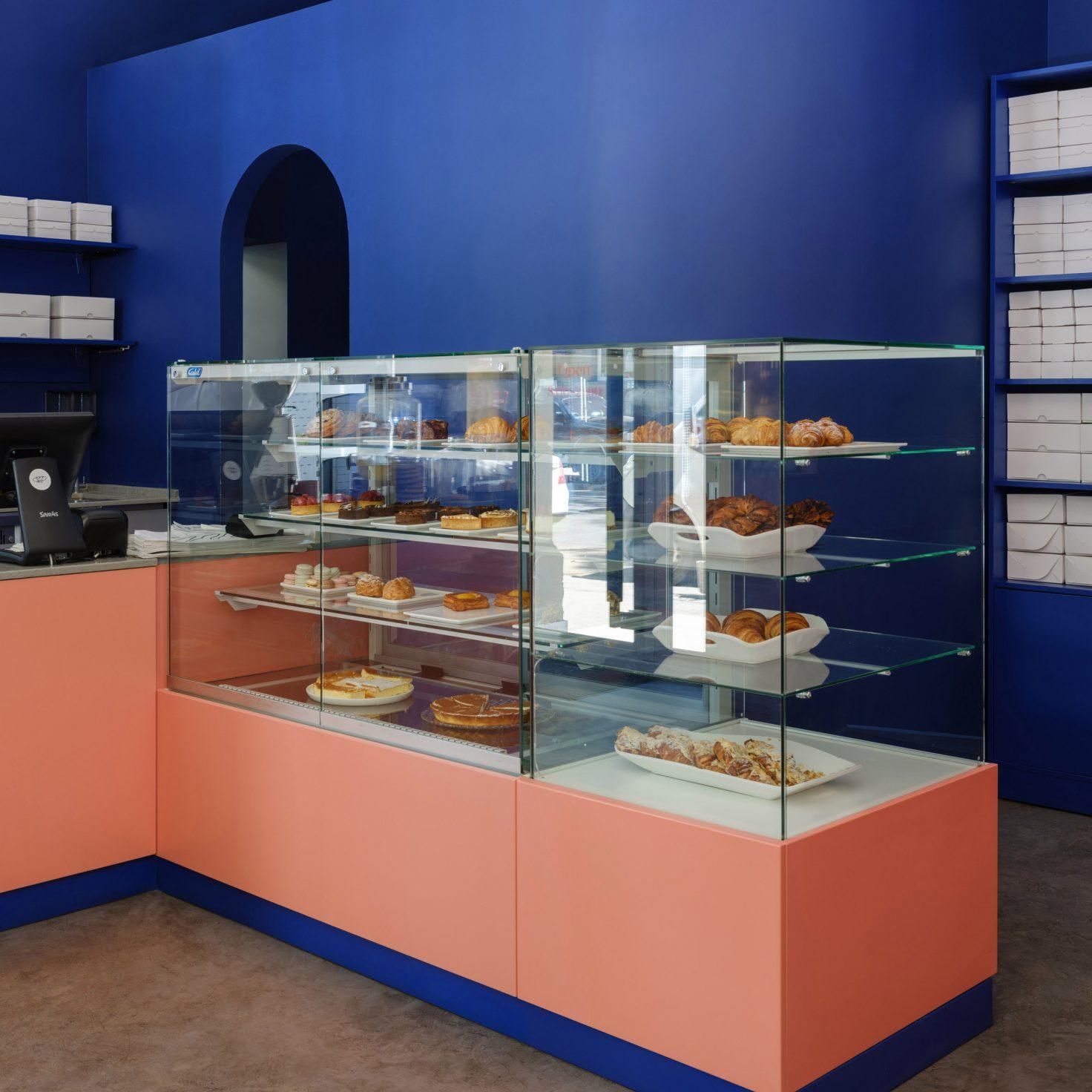(3)breadway-bakery-artem-trigubchak-lera-brumina-interiors-odessa-ukraine_dezeen_2364_sq7-1472x1472
