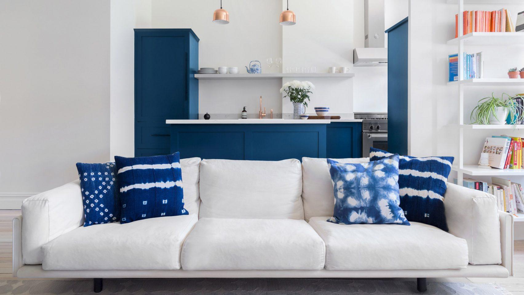 (7)ridgewood-rowhouse-white-arrow-interiors-brooklyn-usa_dezeen_2364_hero2-1704x959